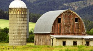 You'll Fall In Love With These 12 Incredible Old Barns In Idaho