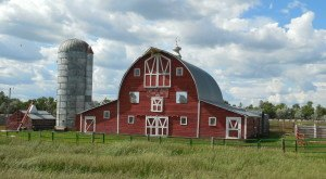 You Will Fall In Love With These 10 Beautiful Old Barns In North Dakota