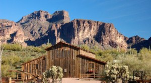 You Will Fall In Love With These 12 Beautiful Old Barns In Arizona