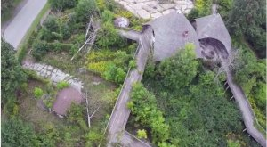 Everyone In Michigan Should See What's Inside The Gates Of This Abandoned Zoo