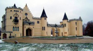 Most People Don't Know These 13 Castles Are Hiding In Missouri (Part 2)