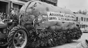 22 Potato Celebration Photos From 1940 That Will Make You Miss The Old Days