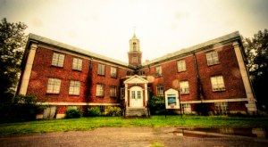This Creepy Asylum In New York Is Still Standing… And Still Disturbing
