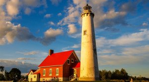 These 11 Historic Lighthouses In Michigan Are Simply Incredible To See