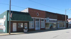9 Tiny Towns In Illinois Where HUGE Things Happened