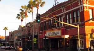 Head To This One Florida Neighborhood For The Ultimate Cultural Experience