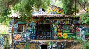 Everyone In Southern California Must Hike To This Abandoned Nazi Hideout Before It's Gone