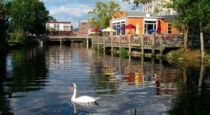 Here Are The 10 Most Beautiful, Charming Small Towns in Rhode Island