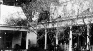 Most People Don't Know The History Behind This Haunted Louisiana Plantation