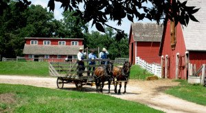 12 Amazing Field Trips Every Iowan Took As A Kid… And Should Retake Now