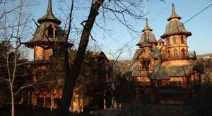This Insane Castle Hiding In Arkansas Is What Dreams Are Made Of
