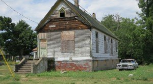 This Creepy Ghost Town In Illinois Is The Stuff Nightmares Are Made Of