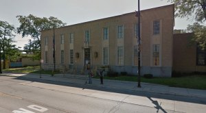 The Bizarre History Of This Illinois Post Office Will Leave You Baffled