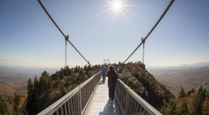 This Terrifying Swinging Bridge In North Carolina Will Make Your Stomach Drop