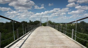 This Terrifying Swinging Bridge In Texas Will Make Your Stomach Drop