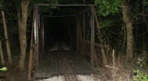 Traveling Down This Haunted Missouri Road Will Give You Nightmares