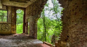 The Remnants Of These Abandoned Kansas Locations Are Hauntingly Beautiful