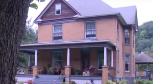 Live In This Terribly Creepy Horror Home In Pennsylvania…If You Dare