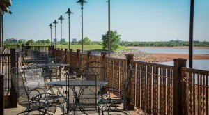 15 Incredible Waterfront Restaurants Everyone In Oklahoma Must Visit