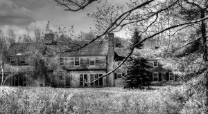 10 Creepy Houses In Massachusetts That Could Be Haunted