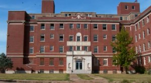 The Remnants Of This Abandoned Hospital In Oklahoma Are Hauntingly Beautiful