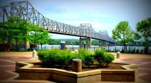 12 Charming Illinois River Towns to Visit This Spring