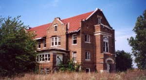 The Spooky Stories Behind The Most Haunted County In Illinois Will Give You Goosebumps