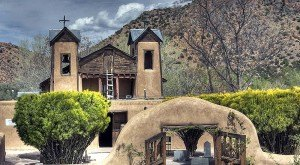 A Gorgeous Church In New Mexico, El Santuario de Chimayó Is Said To Have Healing Powers