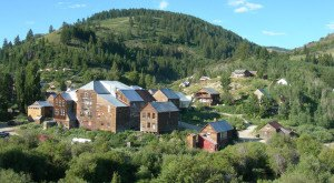 The Remnants Of This Abandoned Idaho Ghost Town Are Hauntingly Beautiful