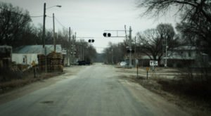 Driving Down This Haunted Kansas Road Will Give You Nightmares