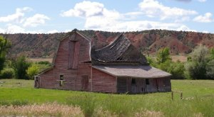 You Will Fall In Love With These 12 Beautiful Old Barns In Wyoming