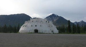 An Eerie Abandoned Hotel In Alaska, Igloo City Is Oddly Fascinating
