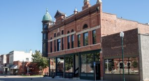 10 Small Towns In Iowa Where Everyone Knows Your Name
