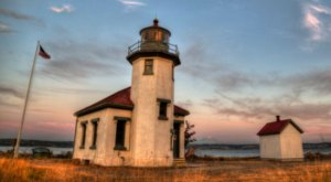 These 16 Historic Lighthouses In Washington Are Simply Incredible To See
