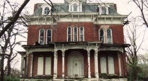 The Story Behind Illinois' Most Haunted House Will Give You Nightmares