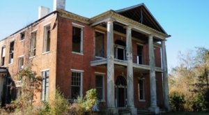 Nature is Reclaiming This Forgotten Mississippi Landmark And It's Heartbreaking