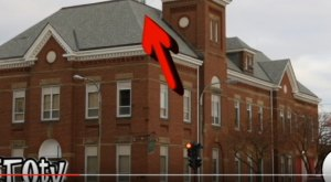 There's Something Incredibly Bizarre Hiding In Plain Sight In Lincoln, Illinois