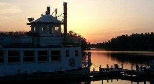 11 Incredible Waterfront Restaurants Everyone In Wisconsin Must Visit