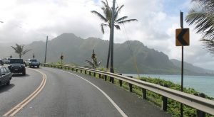 Here Are 13 Thoughts Everyone Has While Driving In Hawaii