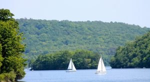 7 Gorgeous Lakes To Visit Around Pittsburgh This Summer