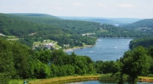 Everyone In Maryland Must Visit This Amazing Lake At Least Once In Their Lifetime