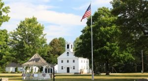 15 Towns in New Hampshire Where Everyone Knows Your Name