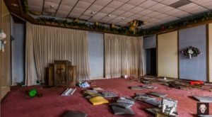 This Abandoned Funeral Home In Alabama Will Chill You To The Bone