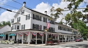 15 Slow-Paced Small Towns In Connecticut Where Life Is Still Simple