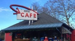 These 13 Awesome Diners In Oregon Will Make You Feel Right At Home