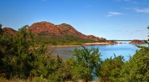 There's Something Magical About These 11 Oklahoma Lakes In The Summer