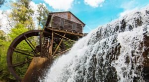 5 Unbelievable Mississippi Waterfalls Hiding In Plain Sight… No Hiking Required