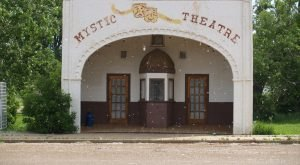 These 8 Theaters In North Dakota Will Give You An Unforgettable Viewing Experience