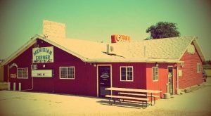 7 Hole In The Wall Restaurants In South Dakota That Will Blow Your Taste Buds Away