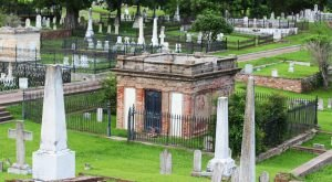 These 11 Historic Mississippi Cemeteries Are Absolutely Astounding